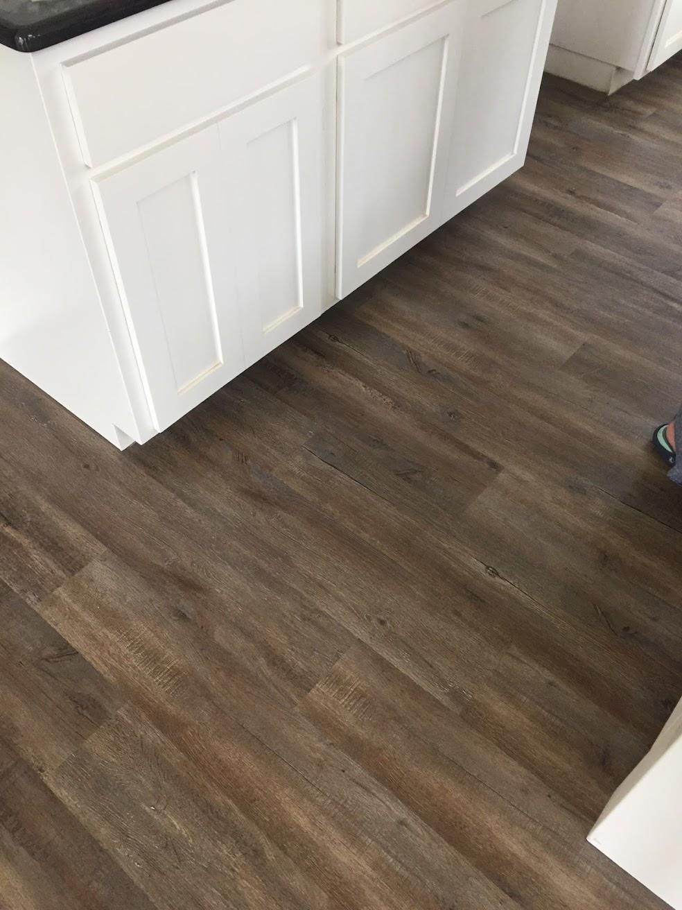 Avenues of Waco Flooring