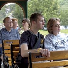 Hannibal Trolley - 220 N Main, Hannibal, MO 63401(573) 221-1161