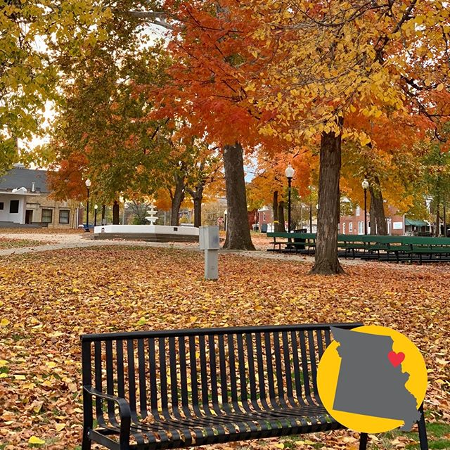 We have had so many reasons to love living in Hannibal this fall from all the beautiful fall colors, fall festivals, and more. ❤️ 🍁 🎃  #historichannibal #visithannibal #hannibalmo #high5hannibal #quincyil #missouriadventure  #visitmo #marktwain #showmestate #mo #explore #showme #supportlocal #community #shoplocal #lovehannibal