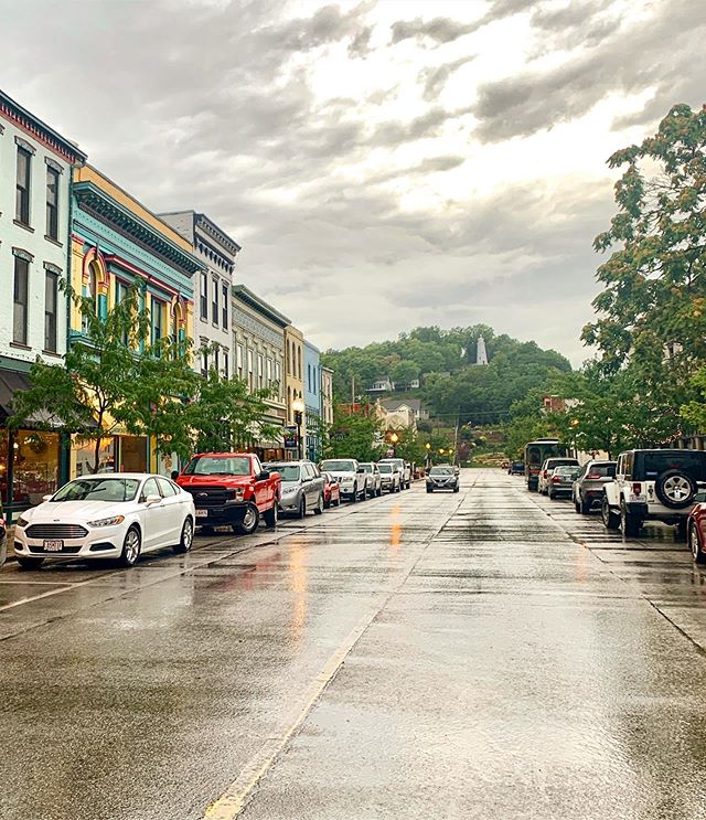 A clean and crisp rainy morning in #historichannibal. Days like this make us dream of cozy sweaters, pumpkins, and strolling through festivals like the Historic Folklife Festival. Come back and visit us for some real small town fall charm!