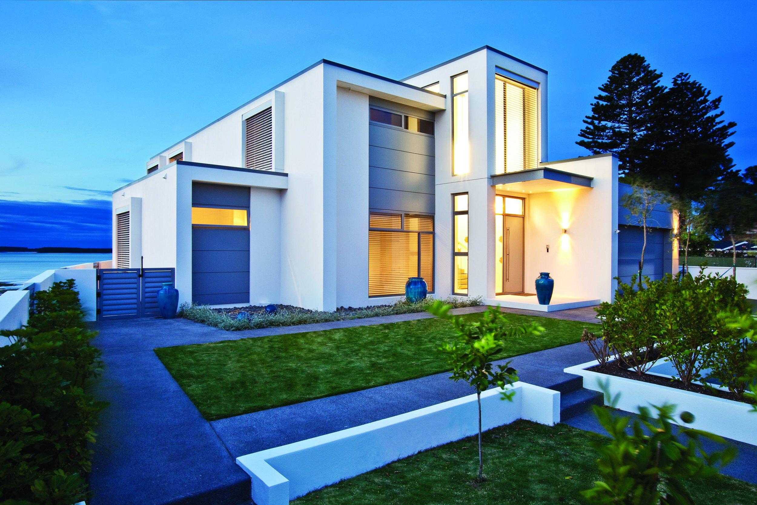 Matt Hodson Cat 2  Woods Ave Residence - Exterior 1_5120x3413.jpg