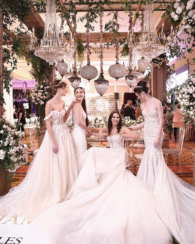 A glimpse inside I Do 2019 with images from @renezadoriphotography for @lovellabridal @arsine_karozabridalinc @makeupby_kd . Pendants + Chandeliers @ambereventprod