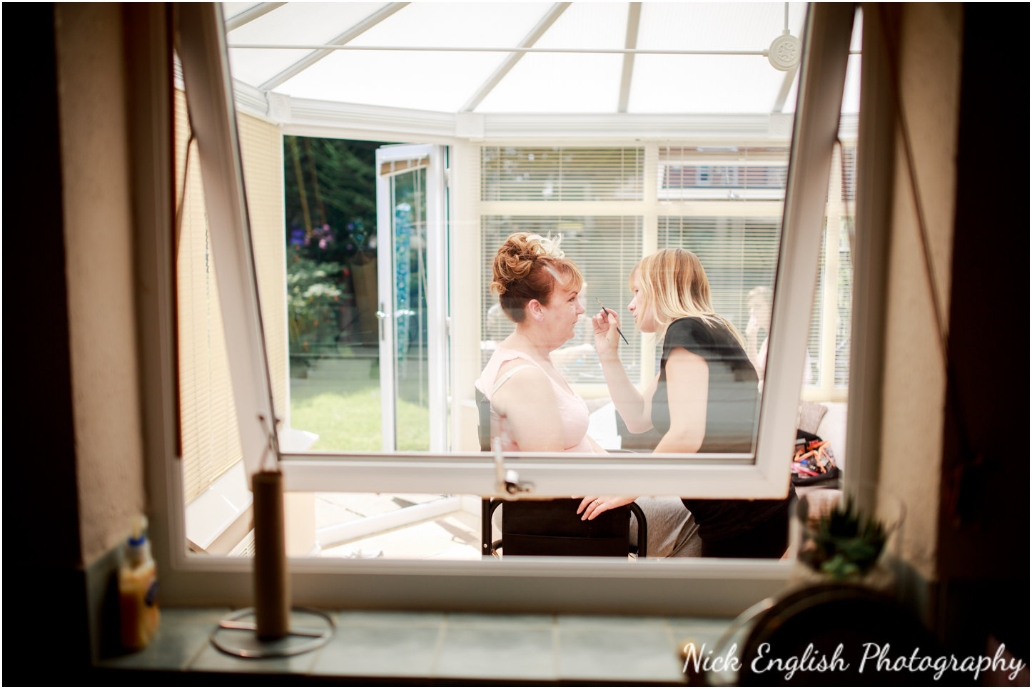 Rivington Hall Barn Wedding Photographer (44).jpg