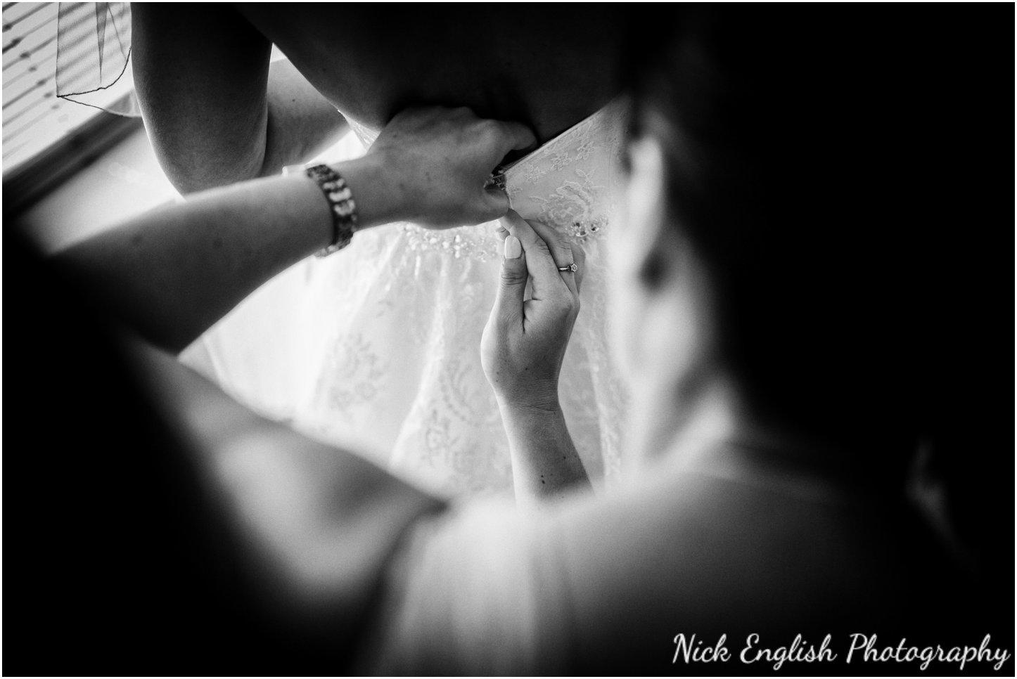Rivington Hall Barn Wedding Photographer (55).jpg