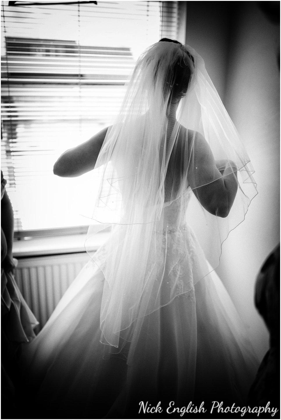 Rivington Hall Barn Wedding Photographer (57).jpg