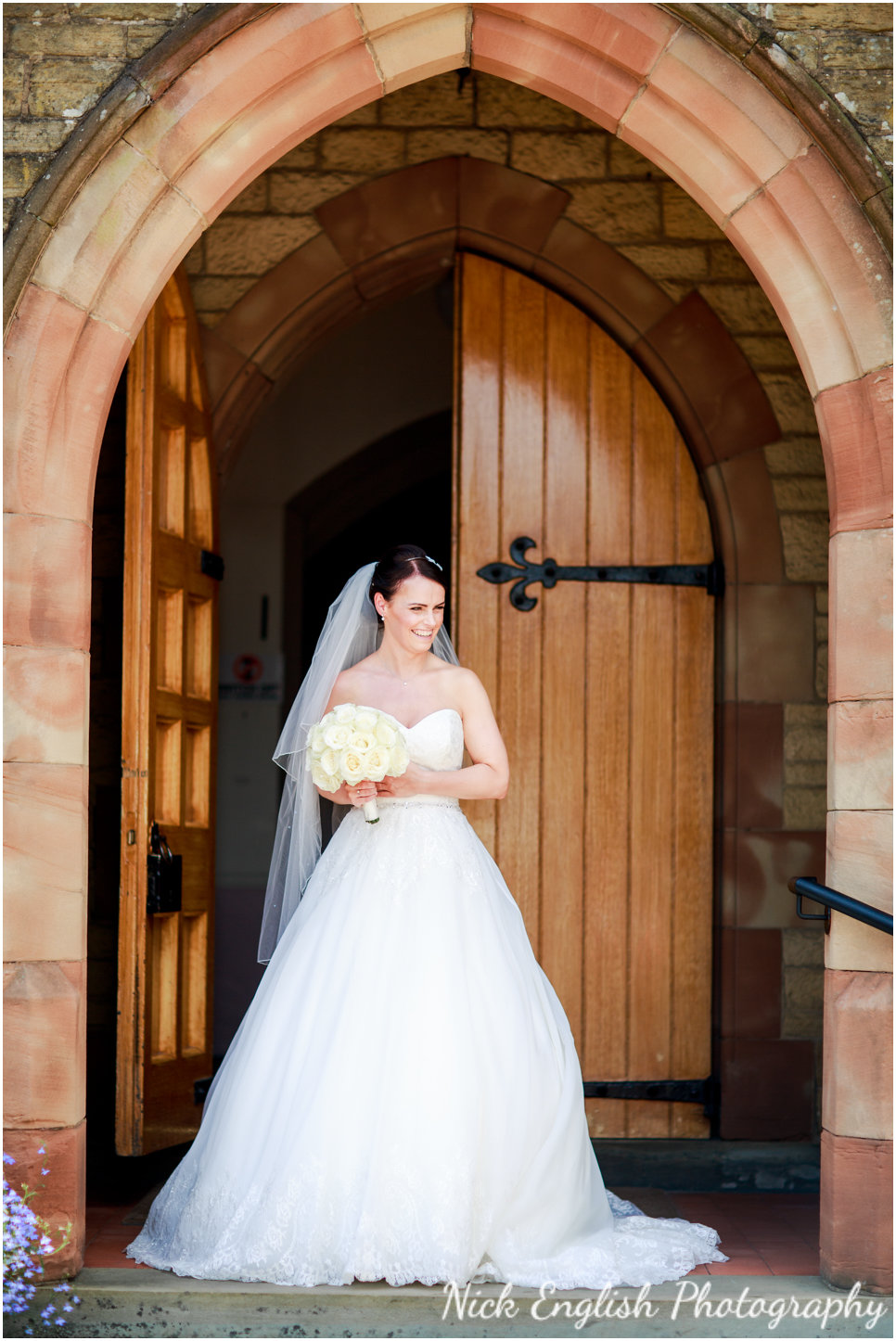 Rivington Hall Barn Wedding Photographer (64).jpg