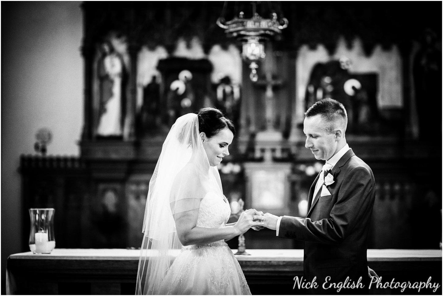 Rivington Hall Barn Wedding Photographer (85).jpg