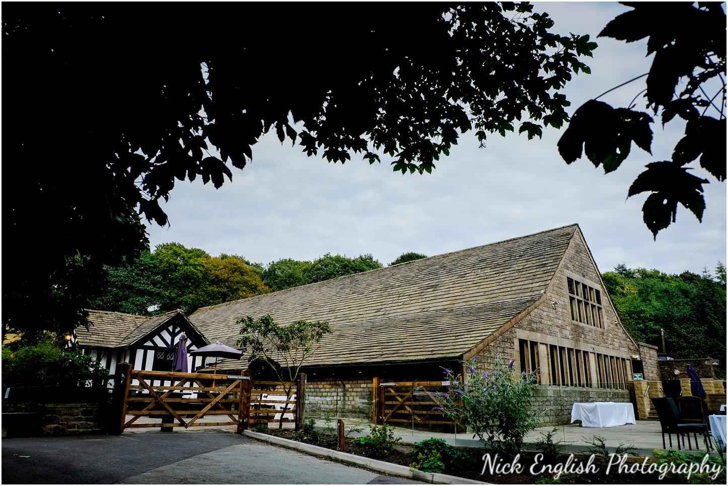 Rivington Hall Barn Wedding Photographer (152).jpg