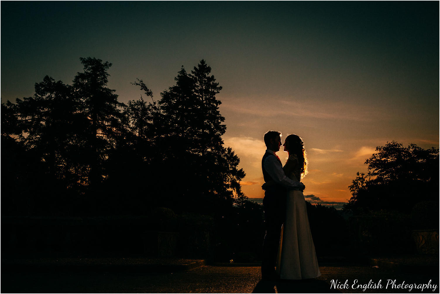 Eaves_Hall_Outdoor_Wedding_Photographs-228.jpg