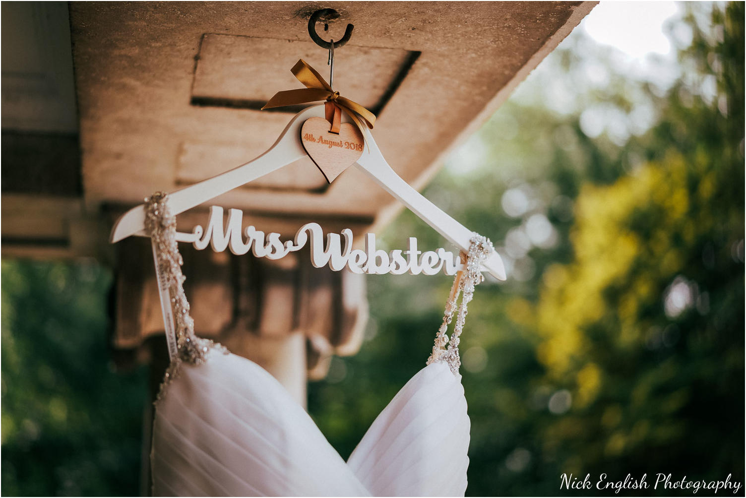 Eaves_Hall_Outdoor_Wedding-2.jpg