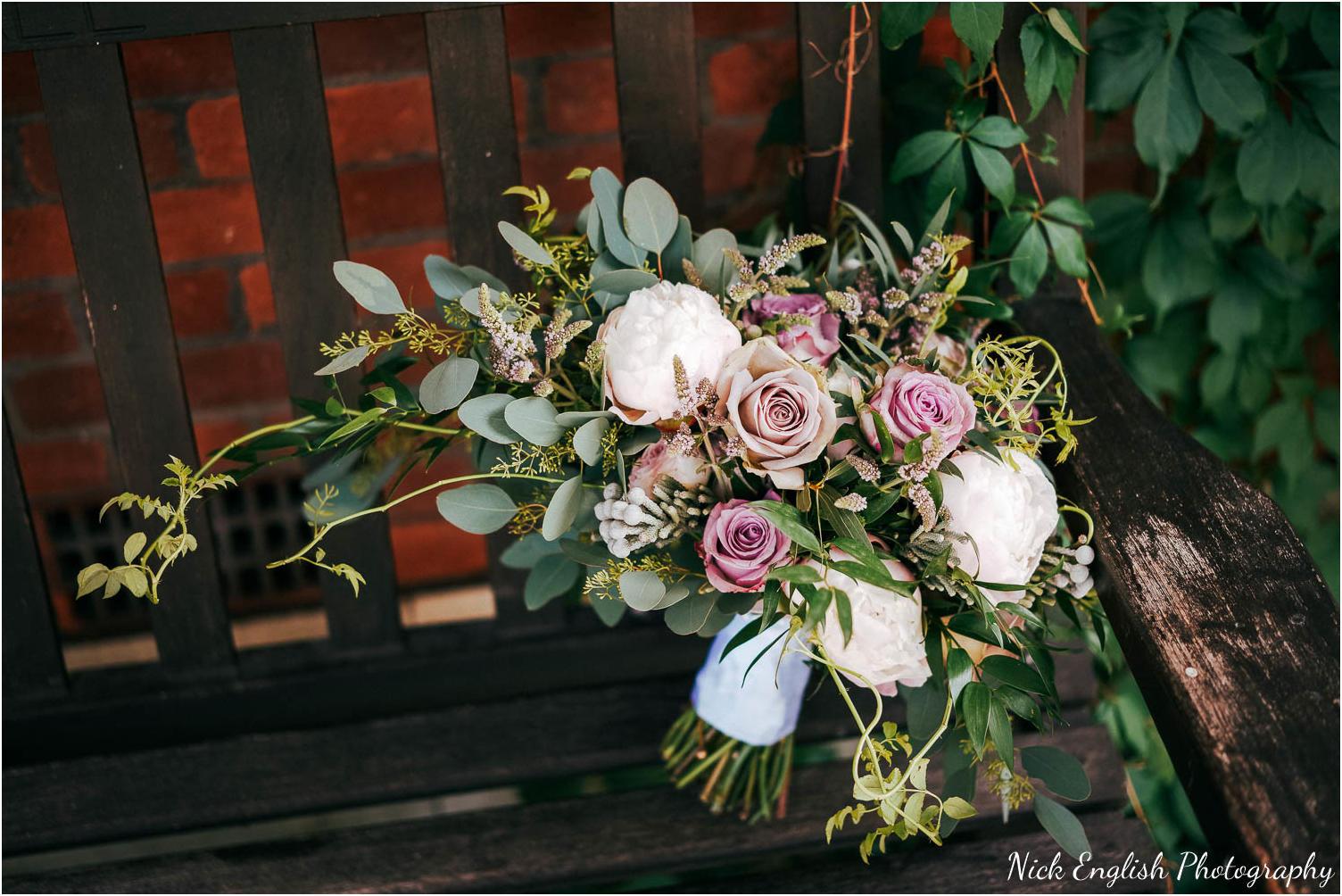 Eaves_Hall_Outdoor_Wedding-8.jpg