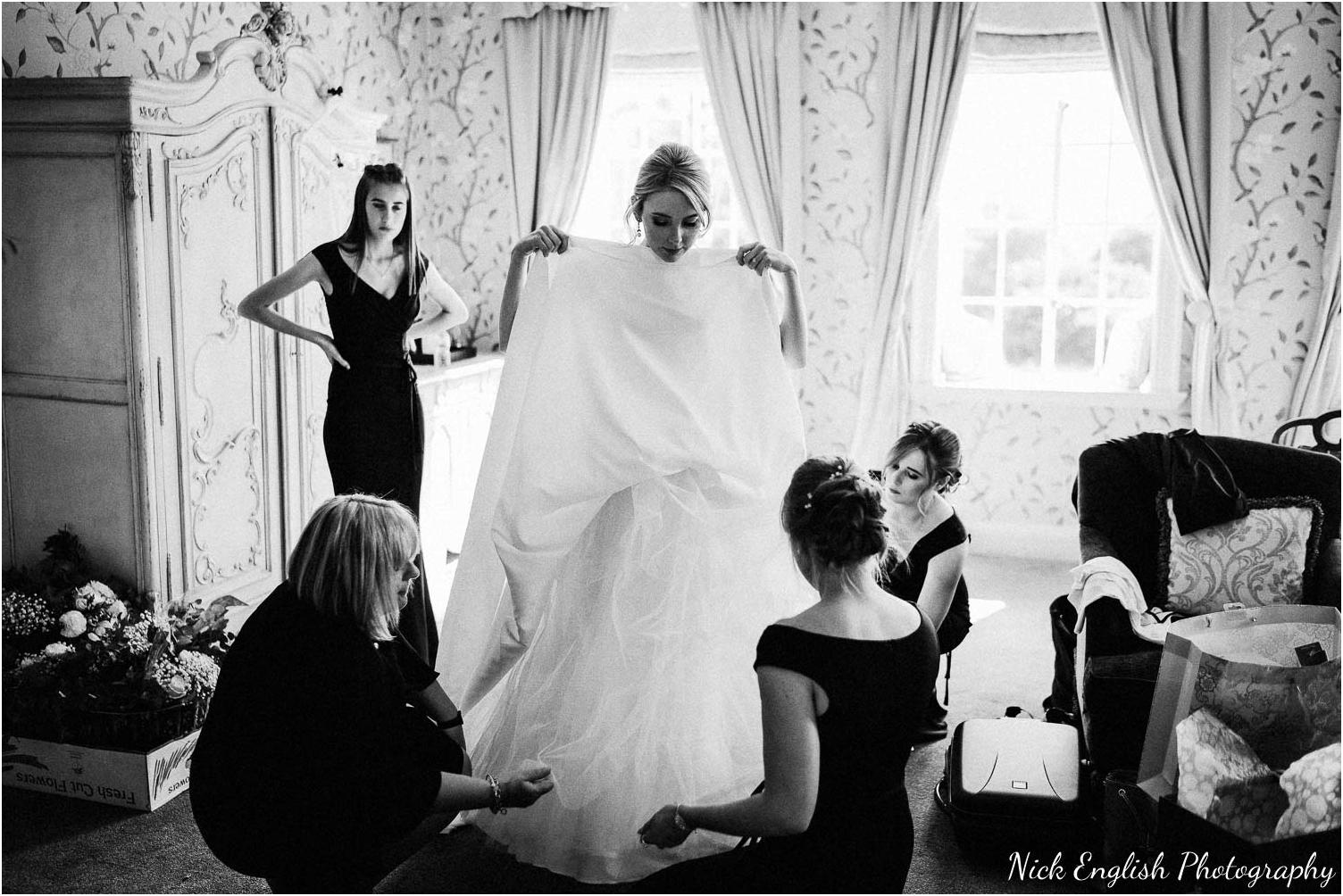 Eaves_Hall_Outdoor_Wedding_Photograph-23.jpg