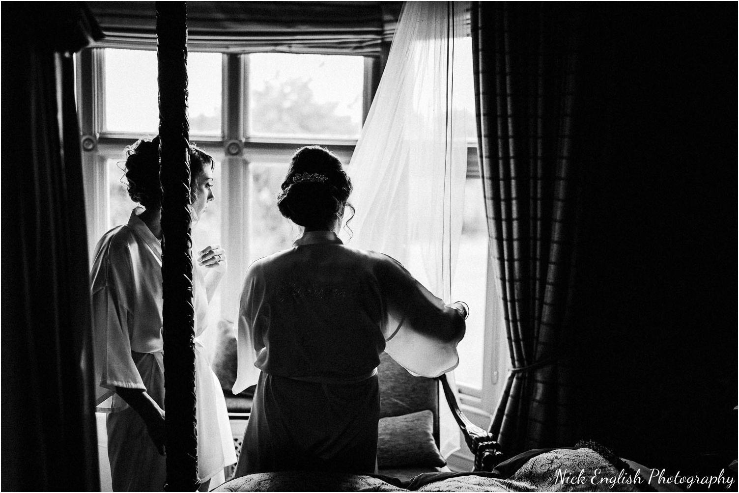 Mitton_Hall_Wedding_Summer_Photograph-10.jpg
