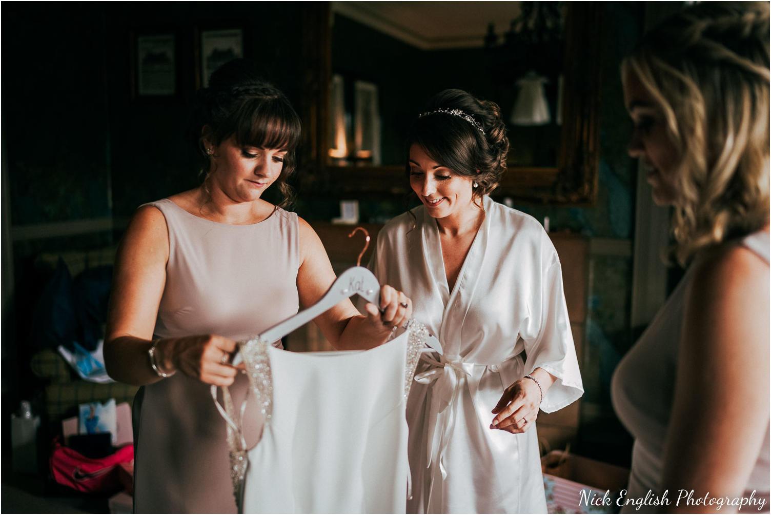 Mitton_Hall_Wedding_Summer_Photograph-24.jpg