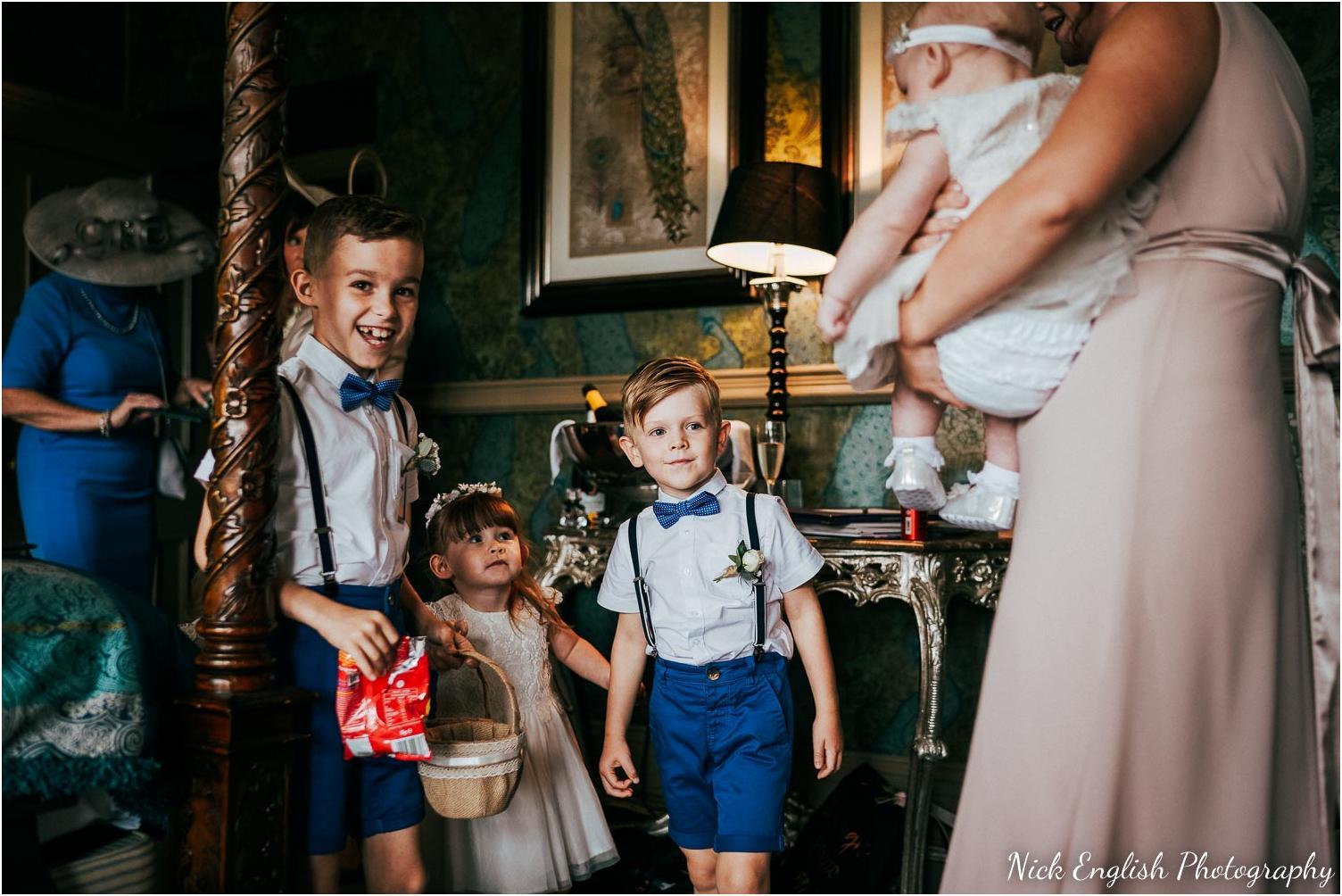 Mitton_Hall_Wedding_Summer_Photograph-35.jpg