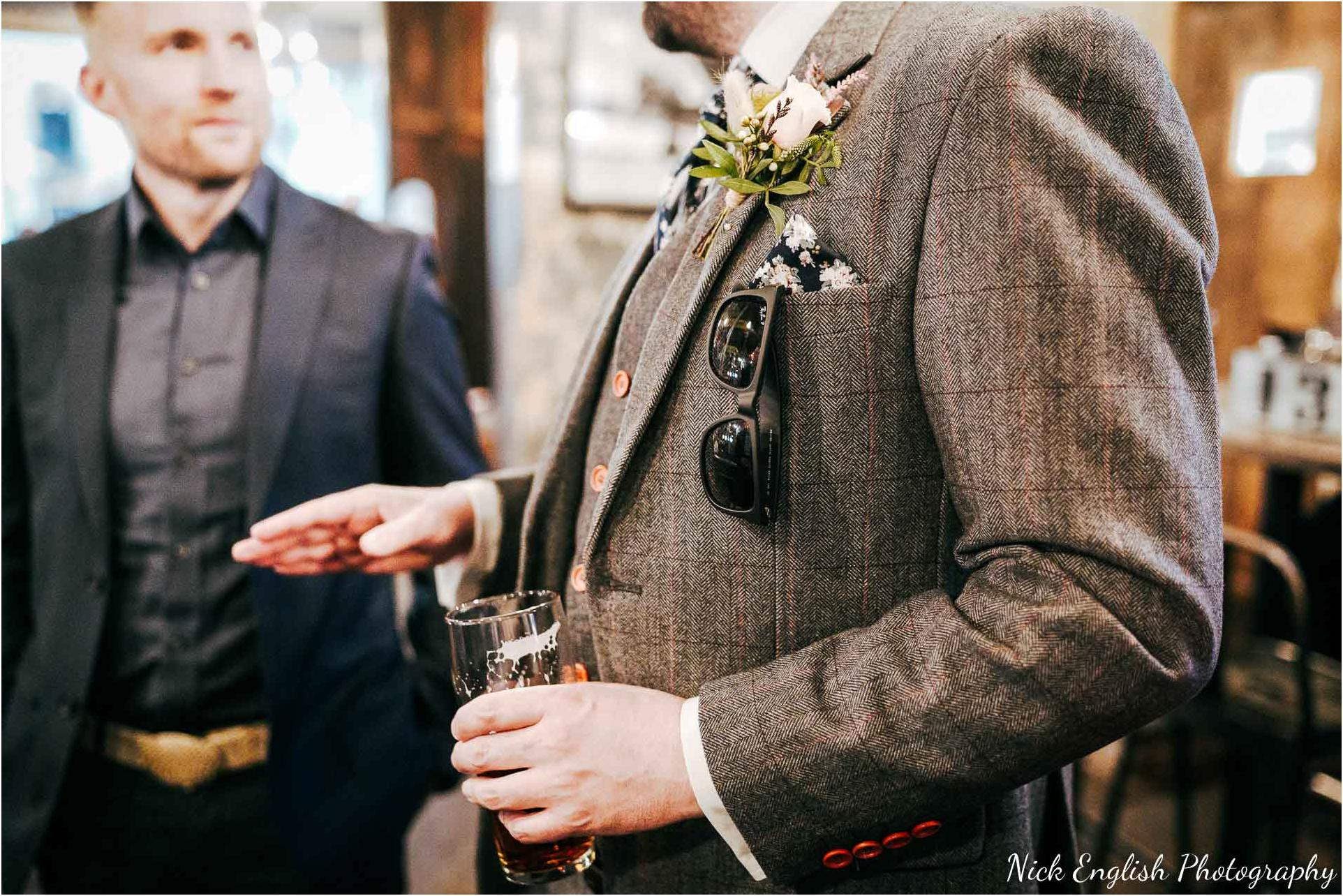 Holmes_Mill_Wedding_Photographs-19.jpg