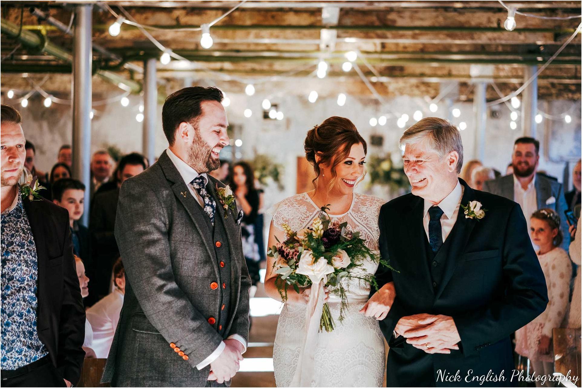 Holmes_Mill_Wedding_Photographs-37.jpg