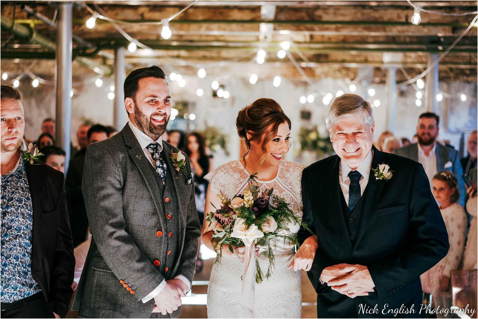 Holmes_Mill_Wedding_Photographs-38.jpg