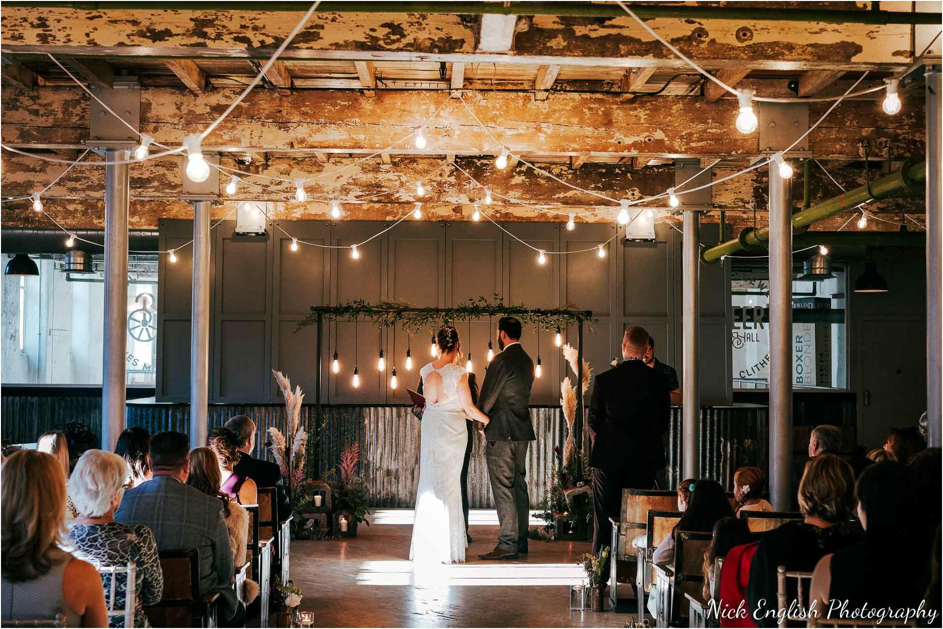 Holmes_Mill_Wedding_Photographs-40.jpg