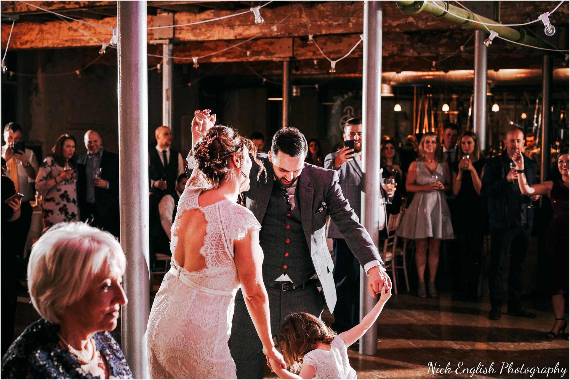 Holmes_Mill_Wedding_Photographs-123.jpg