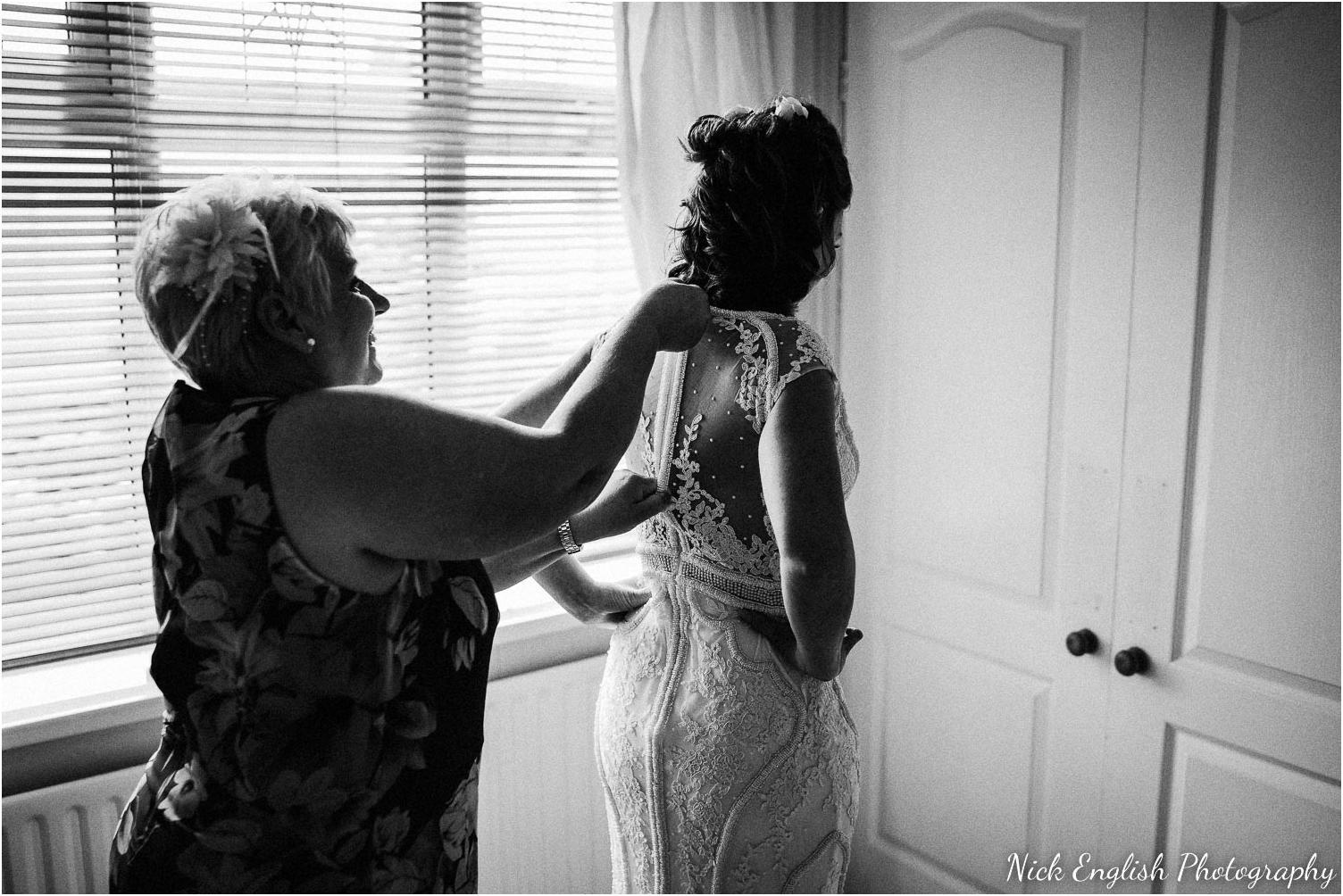 Spring_Cottage_Rivington_Lancashire_Wedding_Photographs-22.jpg