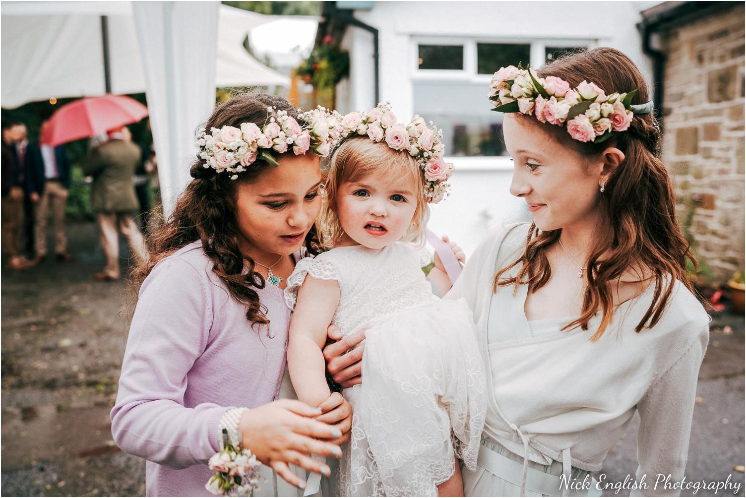 Spring_Cottage_Rivington_Lancashire_Wedding_Photographs-31.jpg