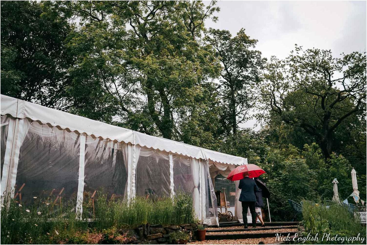 Spring_Cottage_Rivington_Lancashire_Wedding_Photographs-32.jpg