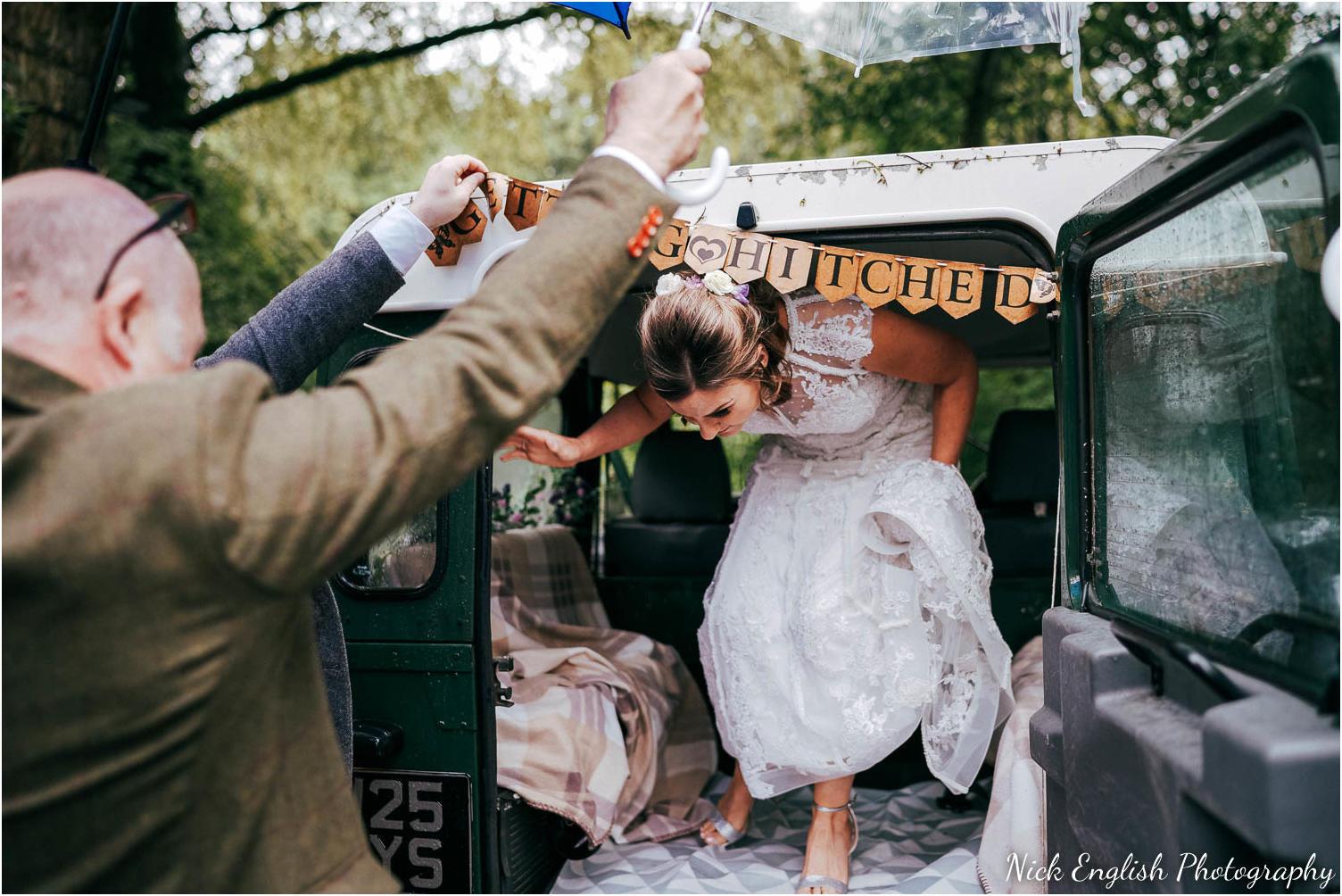 Spring_Cottage_Rivington_Lancashire_Wedding_Photographs-41.jpg