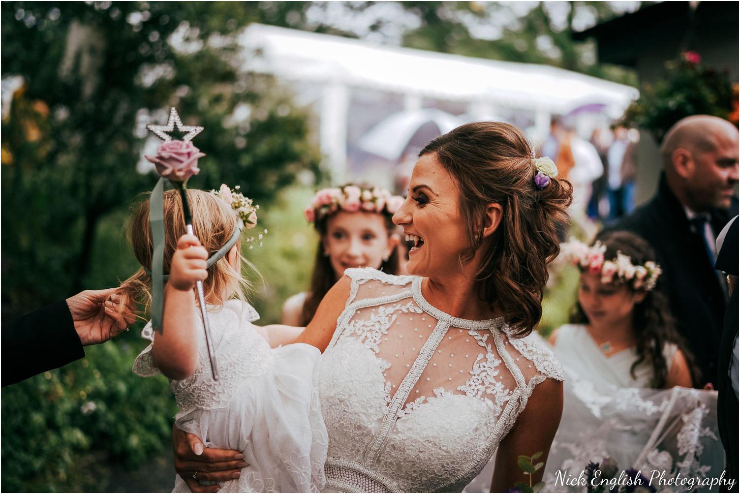 Spring_Cottage_Rivington_Lancashire_Wedding_Photographs-90.jpg