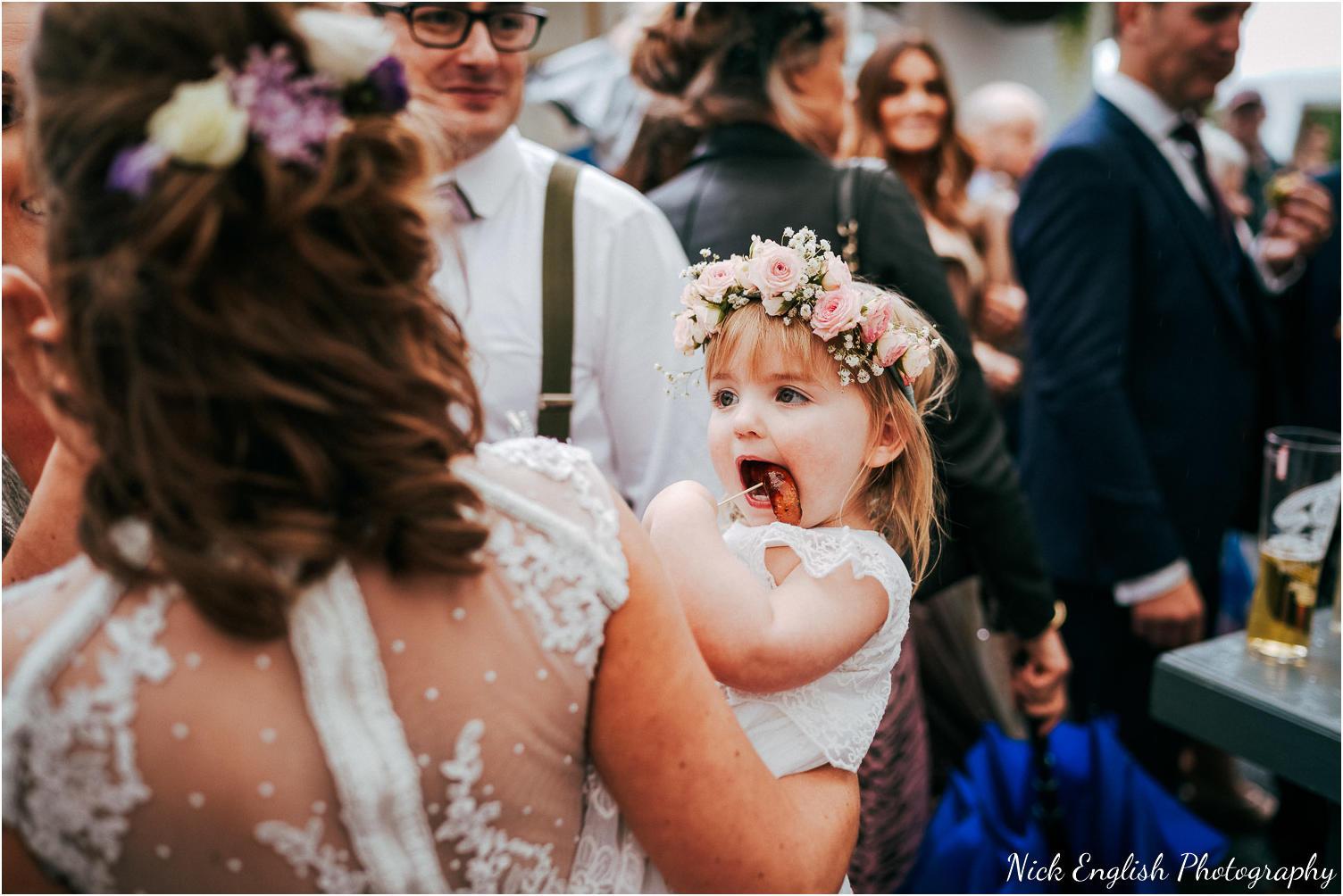 Spring_Cottage_Rivington_Lancashire_Wedding_Photographs-93.jpg