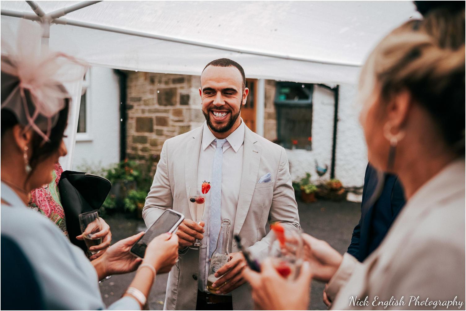 Spring_Cottage_Rivington_Lancashire_Wedding_Photographs-102.jpg