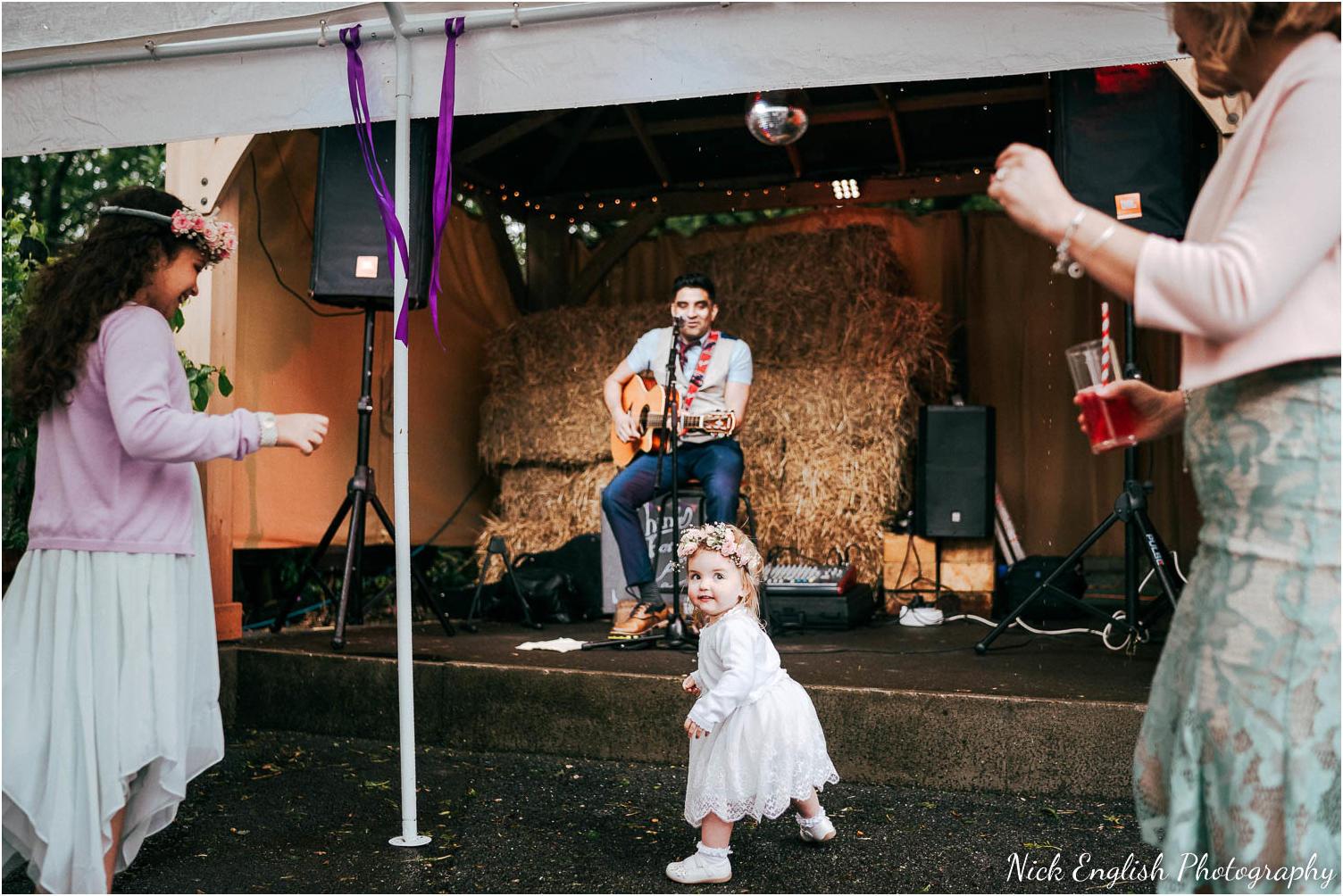 Spring_Cottage_Rivington_Lancashire_Wedding_Photographs-108.jpg