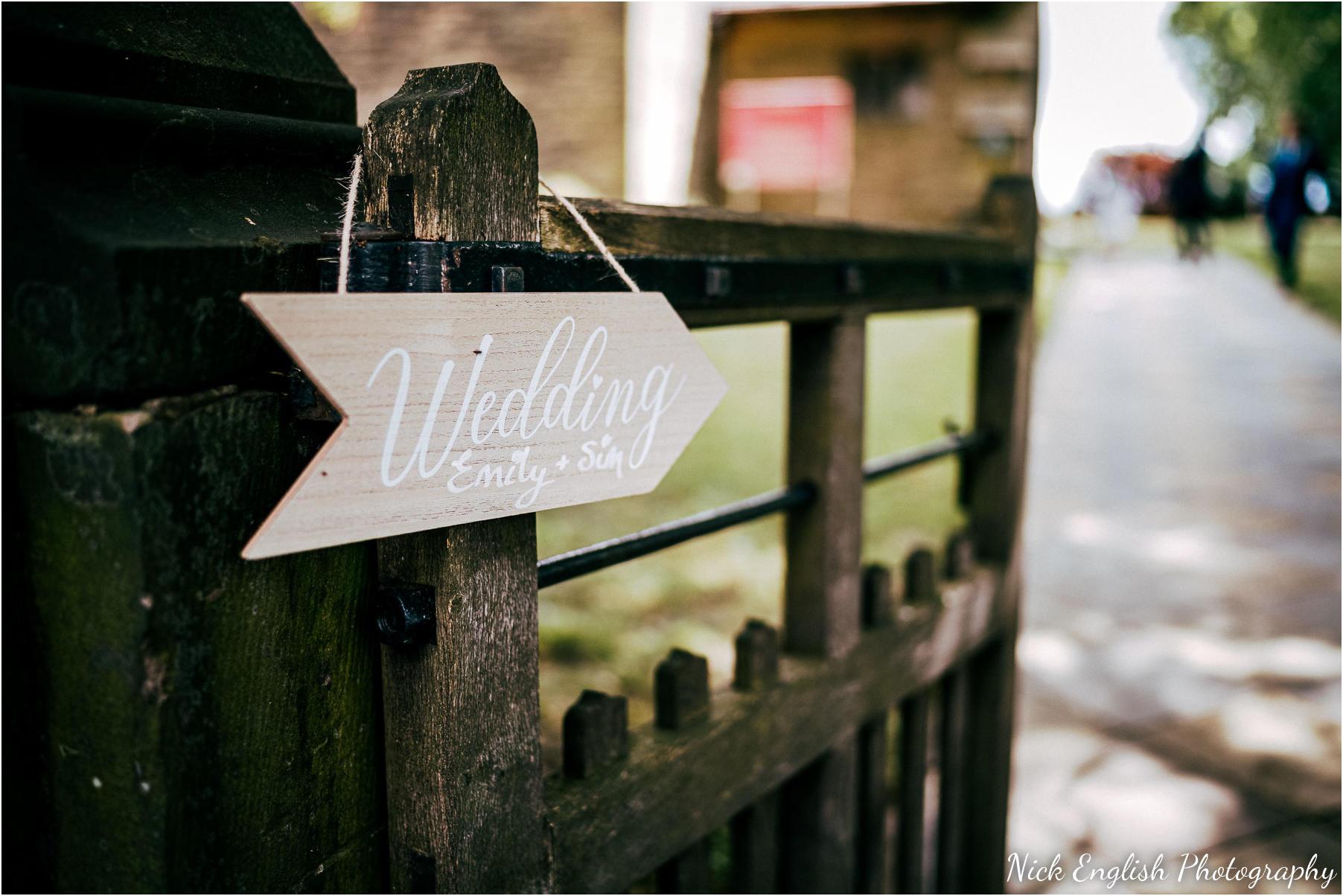 Whitebottom_Farm_Wedding_Manchester_Photograph-19.jpg