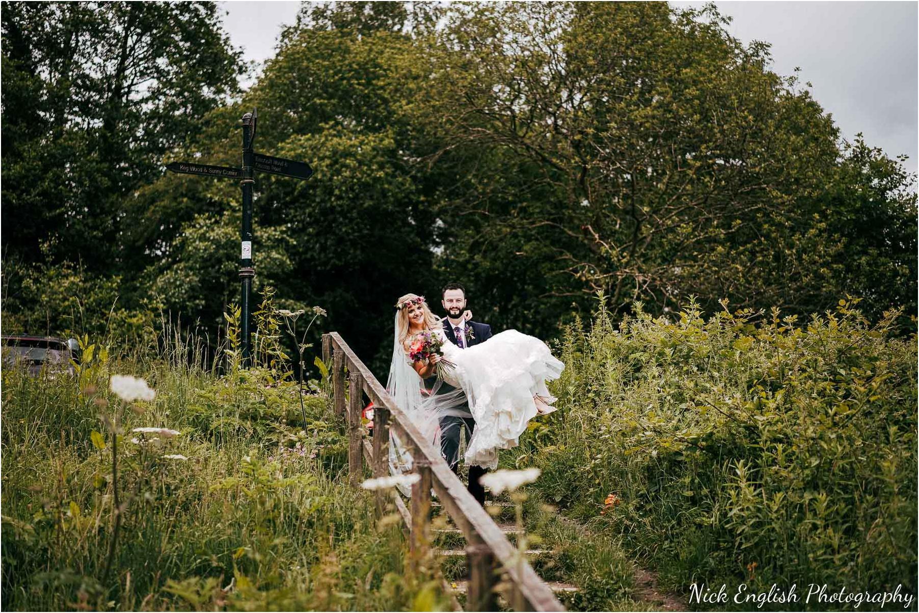 Whitebottom_Farm_Wedding_Manchester_Photograph-40.jpg