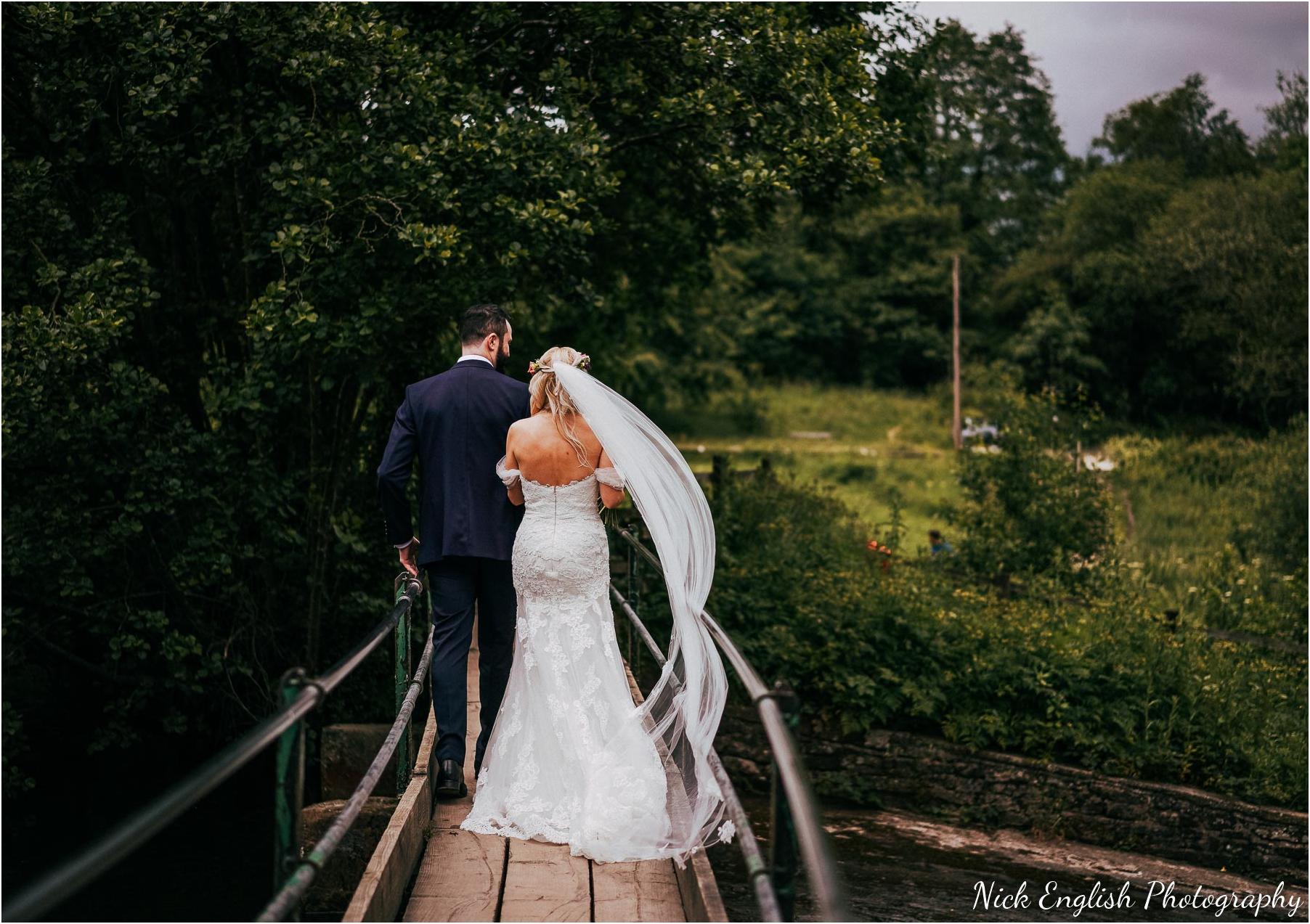 Whitebottom_Farm_Wedding_Manchester_Photograph-44.jpg