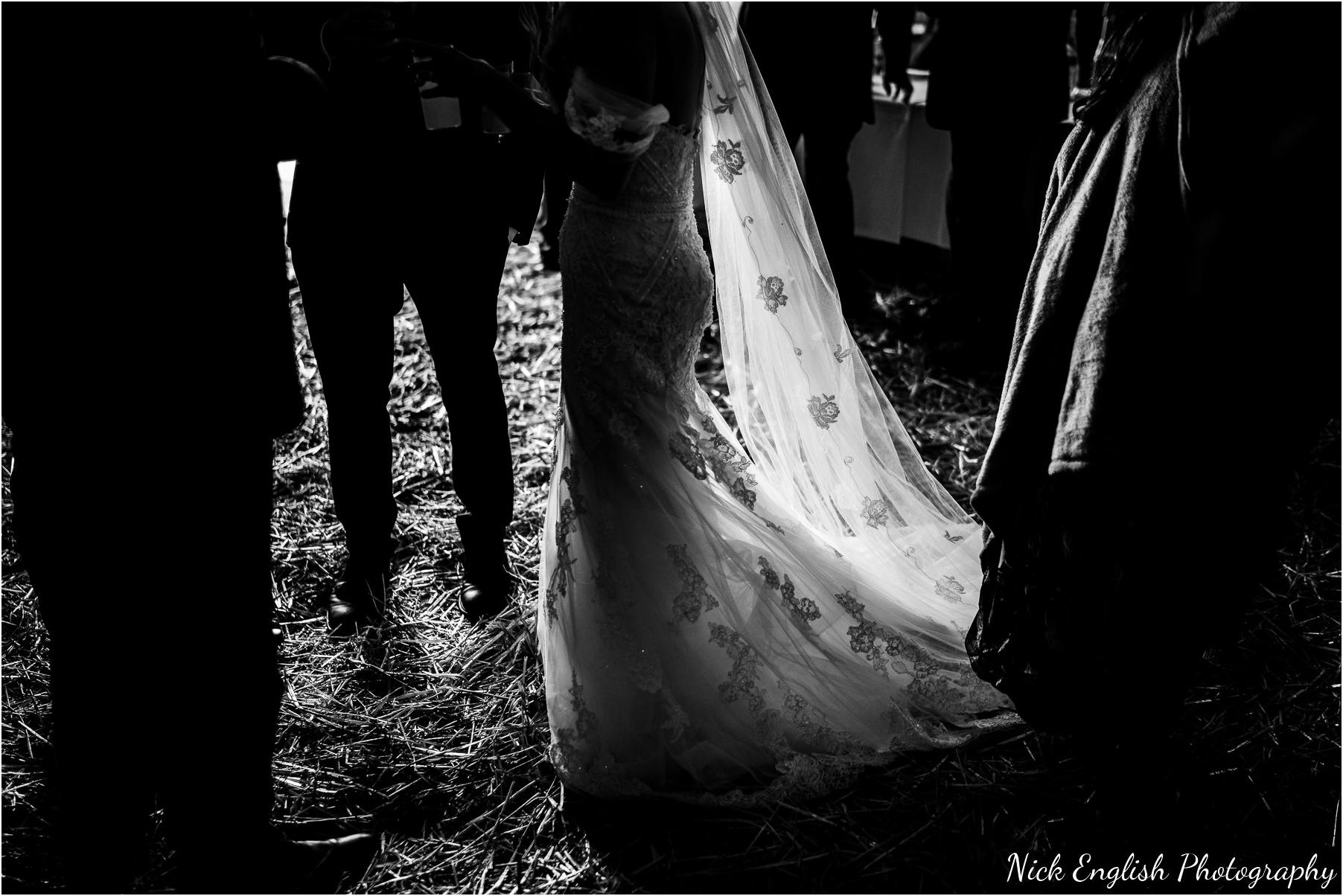 Whitebottom_Farm_Wedding_Manchester_Photograph-64.jpg