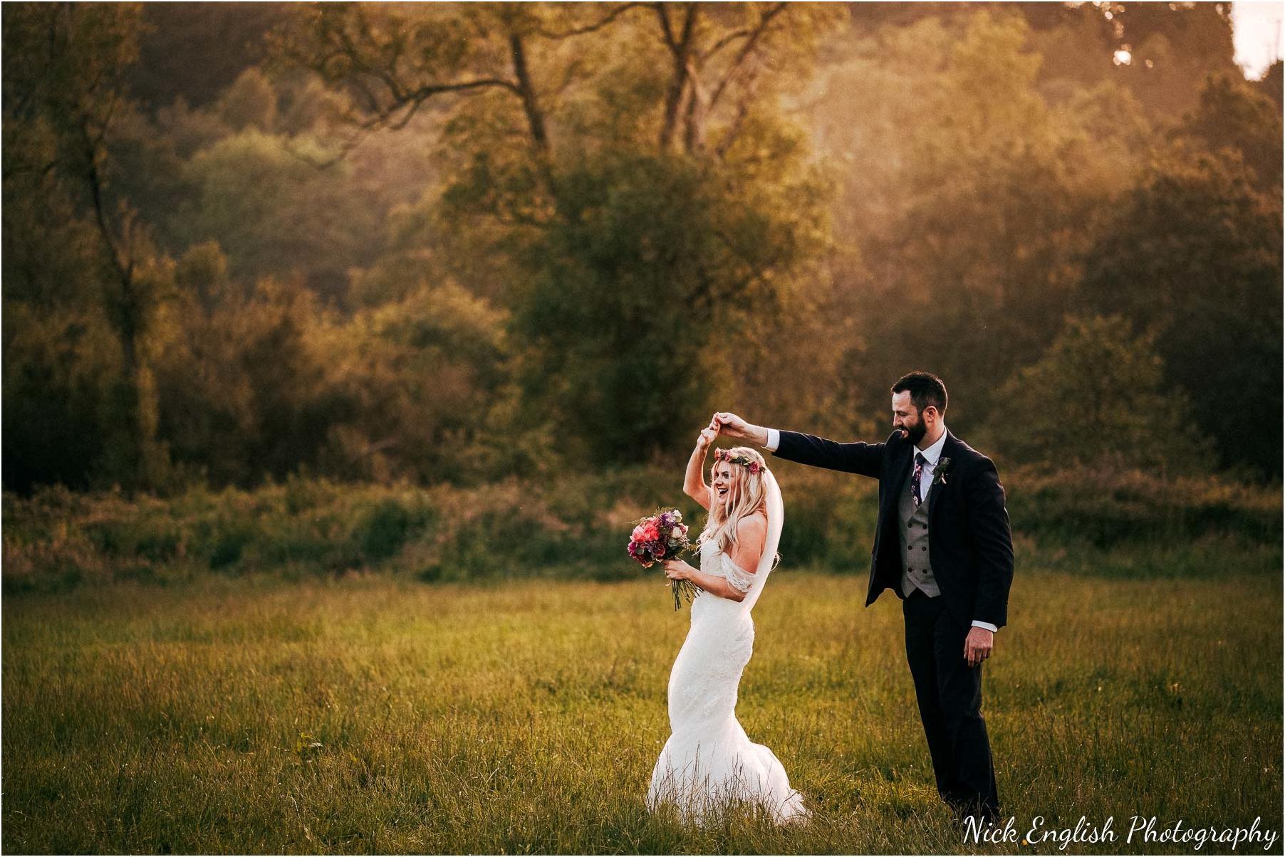 Whitebottom_Farm_Wedding_Manchester_Photograph-104.jpg