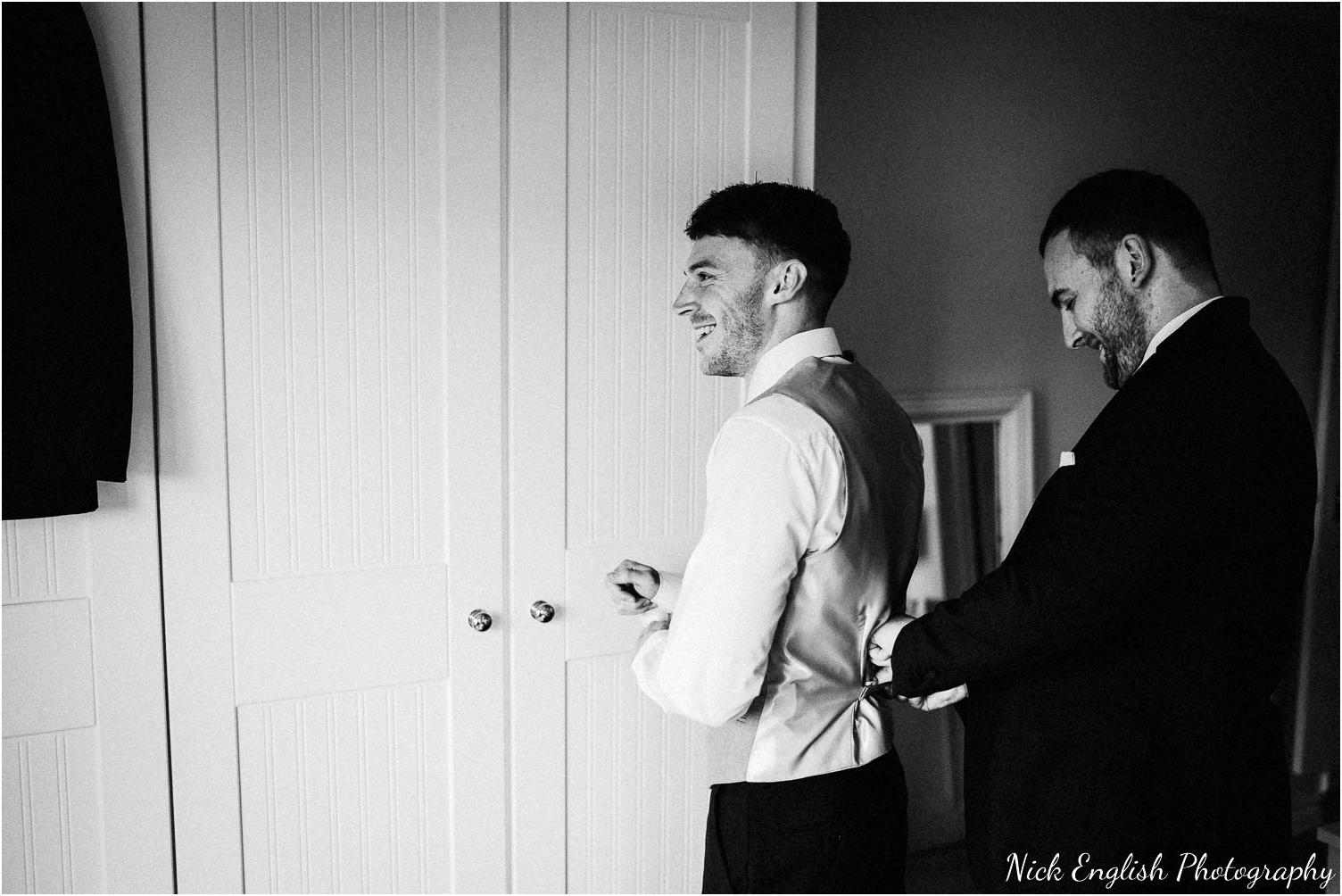 Mitton_Hall_Wedding_Photograph-18.jpg