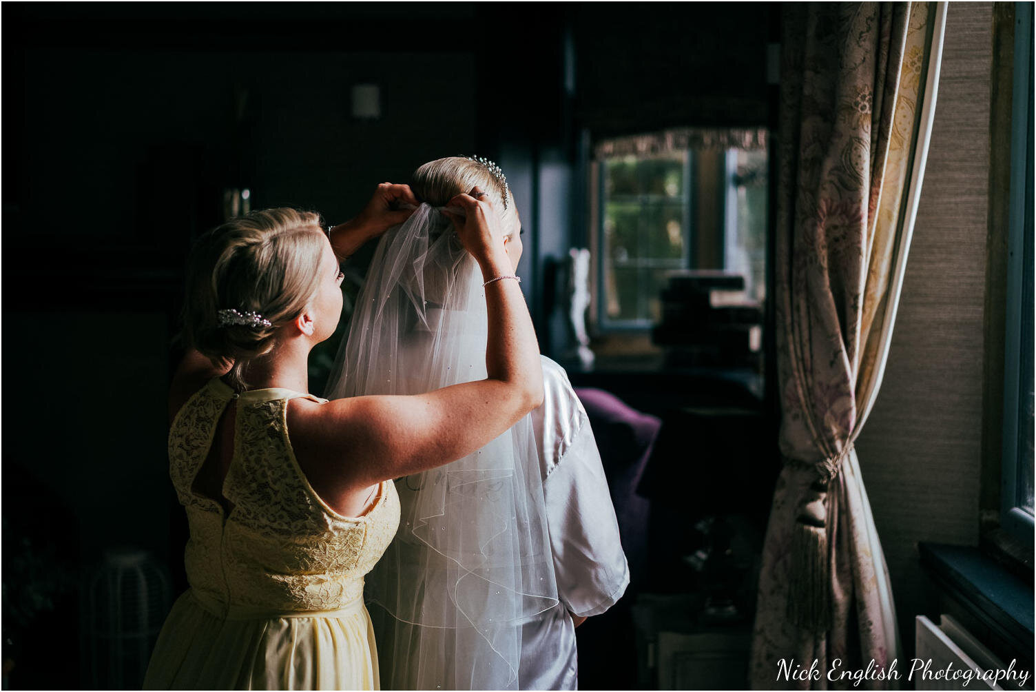 Falcon_Manor_Yorkshire_Wedding_Photographer-22.jpg