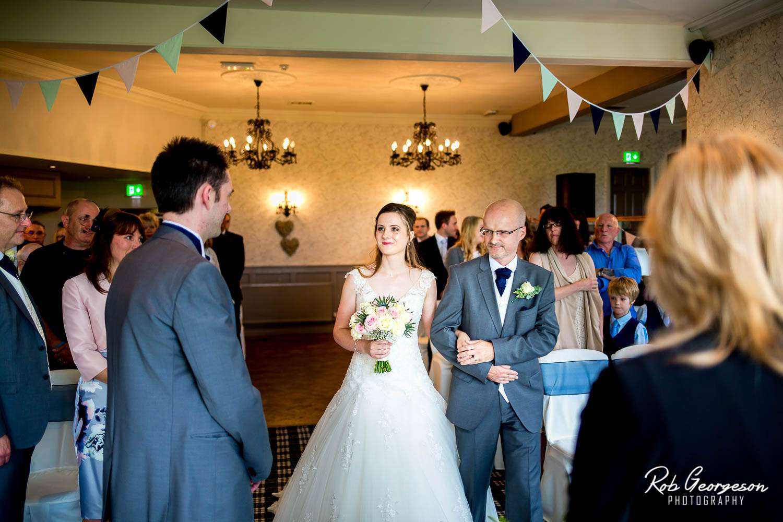 Spread_Eagle_Inn_Sawley_Wedding_Photographer (17).jpg
