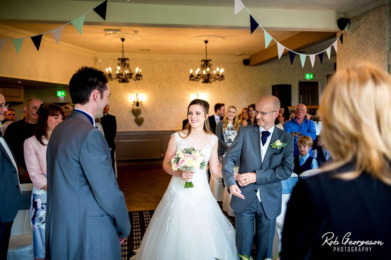Spread_Eagle_Inn_Sawley_Wedding_Photographer (18).jpg
