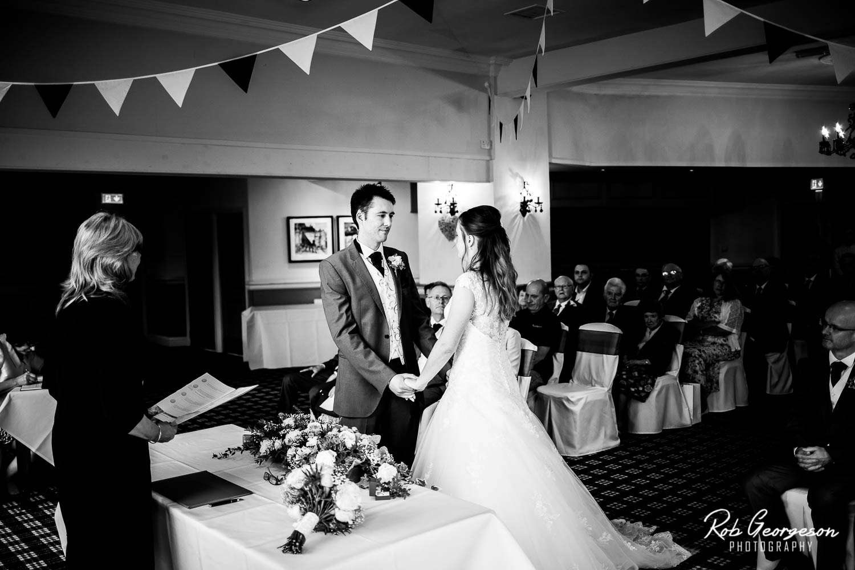 Spread_Eagle_Inn_Sawley_Wedding_Photographer (23).jpg