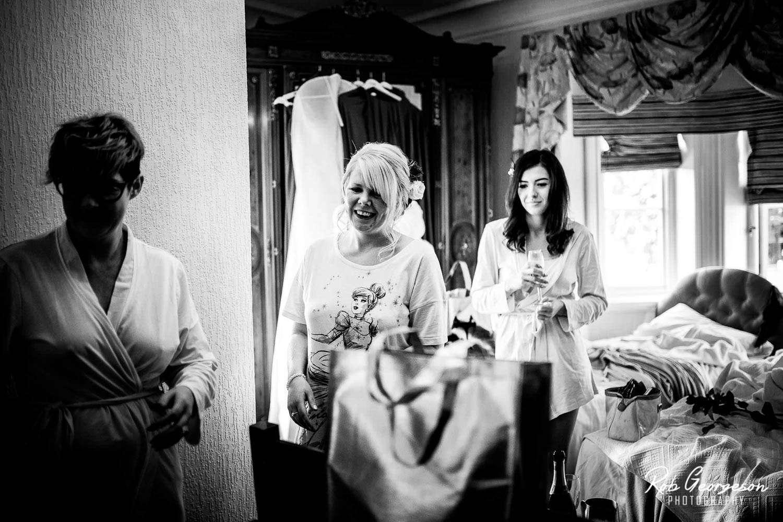 Ferraris_Country_House_Wedding_Photographer (4).jpg