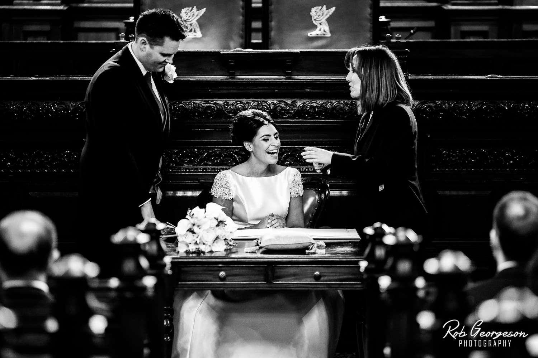 Liverpool_Town_Hall_Wedding_Photographer (26).jpg