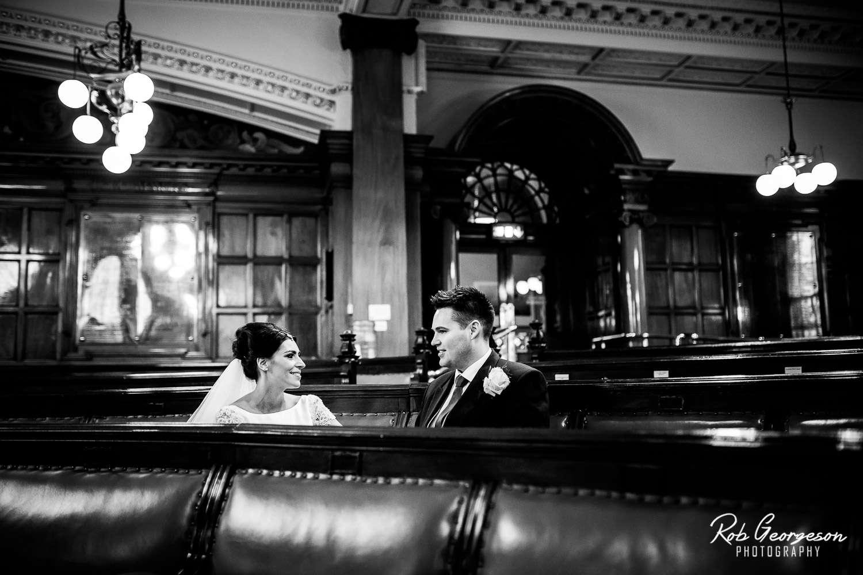 Liverpool_Town_Hall_Wedding_Photographer (29).jpg