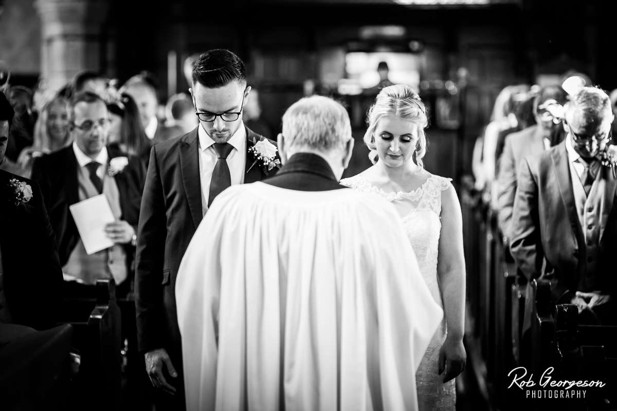 Shireburn_Arms_Wedding_Photographer_025.jpg