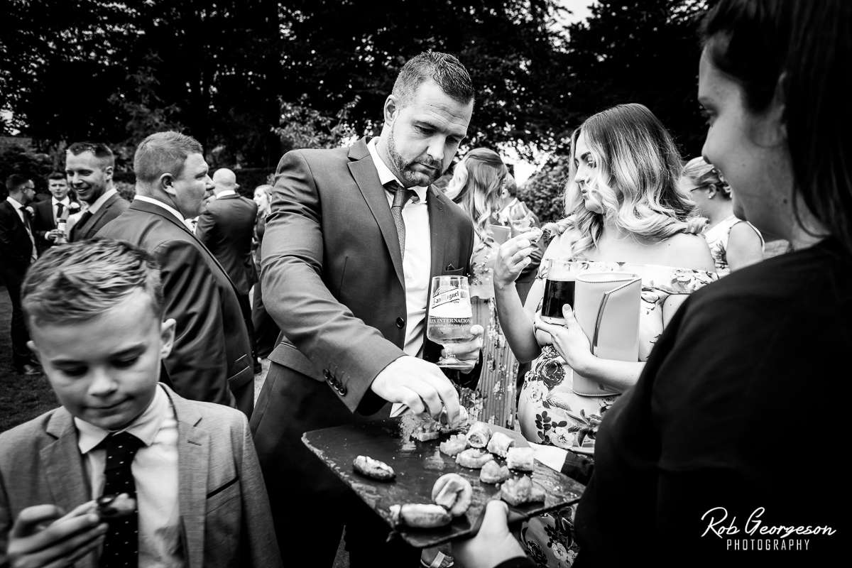 Shireburn_Arms_Wedding_Photographer_037.jpg