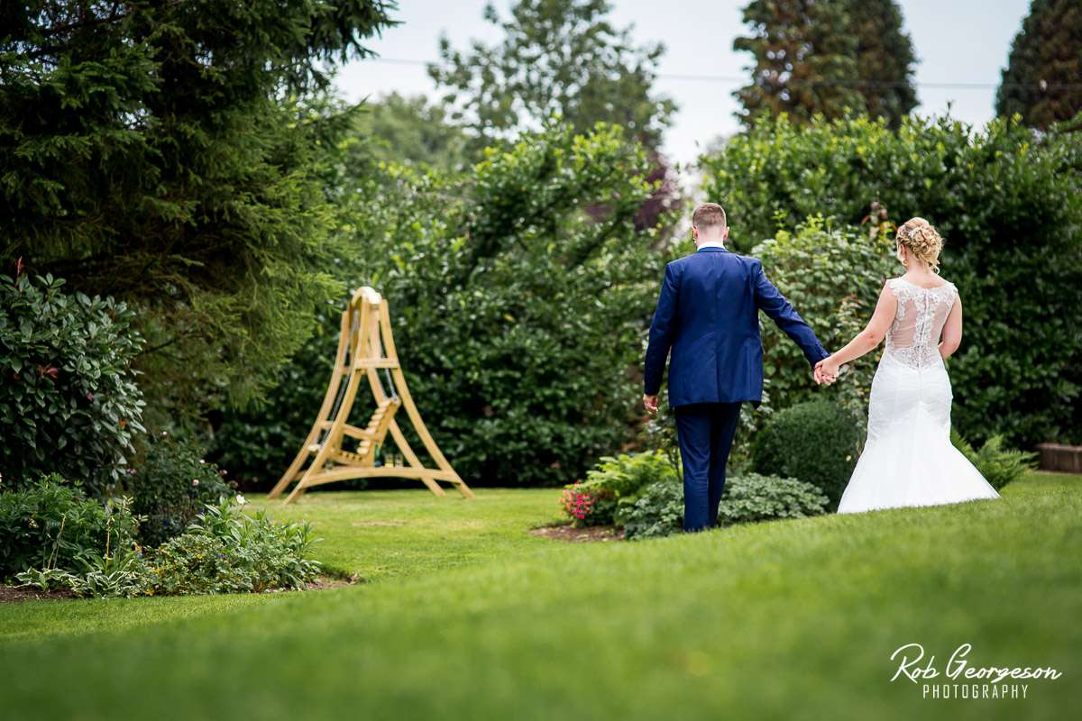 Shireburn_Arms_Wedding_Photographer_061.jpg