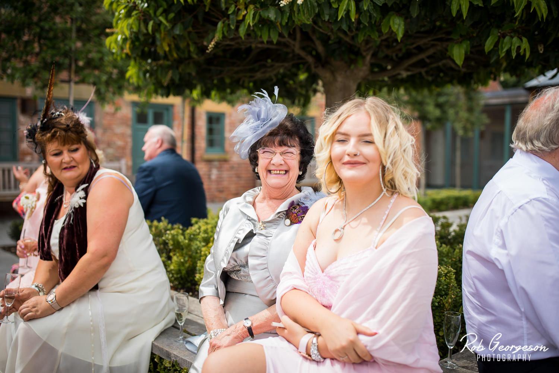 Hazel_Gap_Barn_Wedding_Photographer_075.jpg