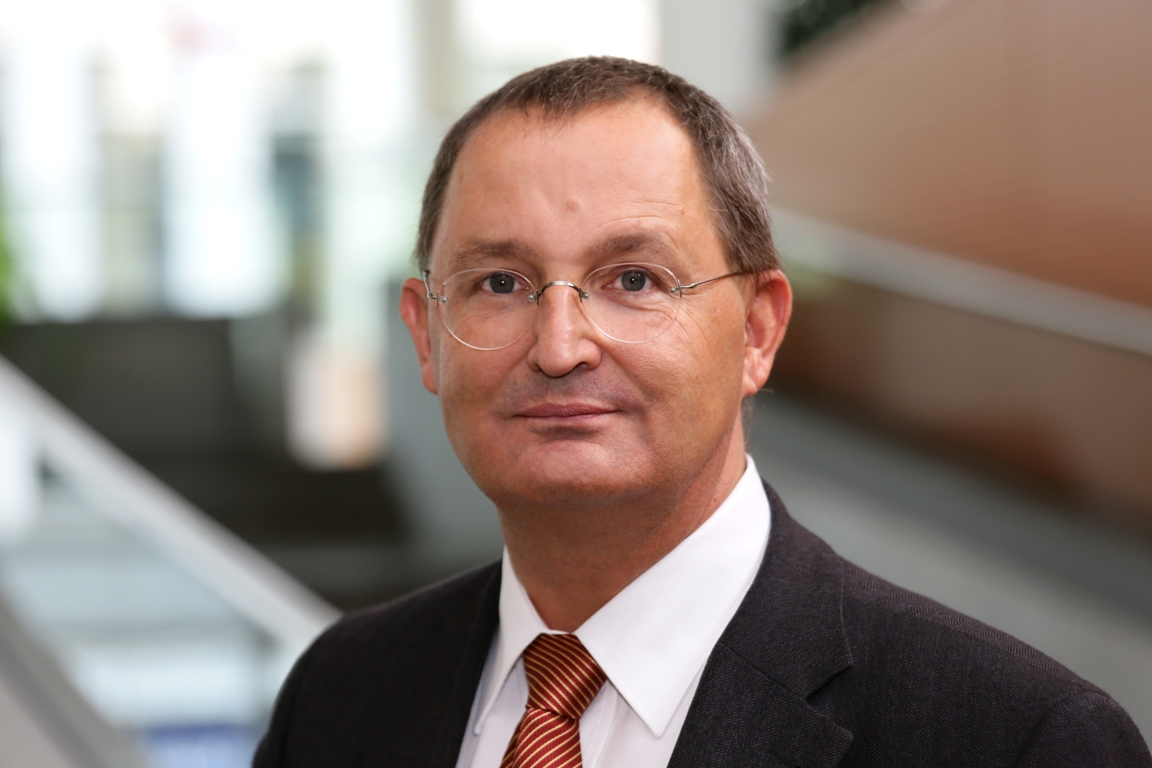GÜNTHER JONITZ, M.D.   Preisdent, Physician Chamber Berlin, Germany